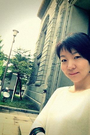 頑張らないおしゃれと小樽の歴史的建造物|札幌・小樽コーデ術