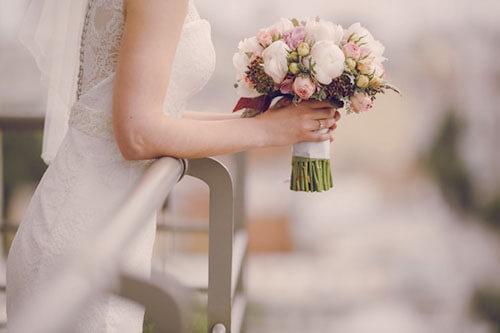 ウエディングドレスの自分に似合う「白」の選び方