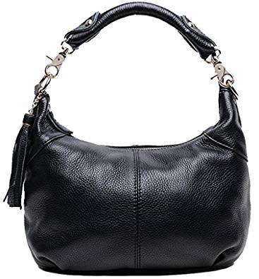 丸みのある黒いバッグ<アラフォーバッグの選び方>