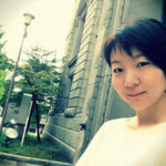 シンプルコーデと小樽の歴史的建造物|札幌・小樽コーデ術